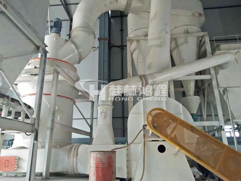 鸿程矿石磨粉机设备HC1700纵摆式雷蒙磨石灰石磨机