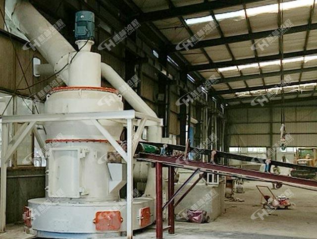 湖北200目时产5-10吨重钙粉项目用HC1500雷蒙磨粉机设备