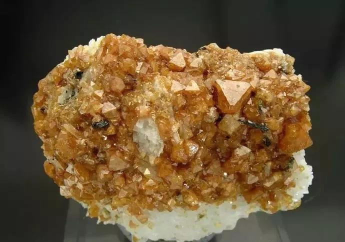 放射性 矿物